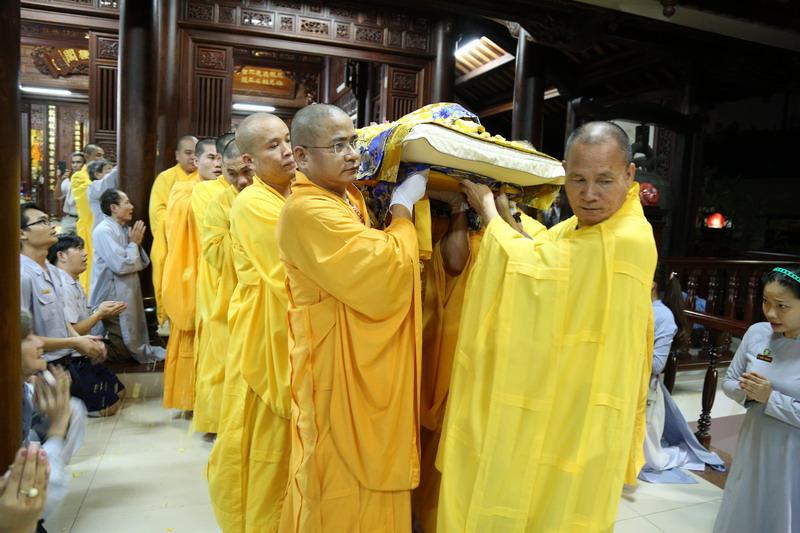 Tang lễ Đức Cố Đại Lão Hòa Thượng thượng Đức hạ Chơn: Lễ Nhập Kim Quan